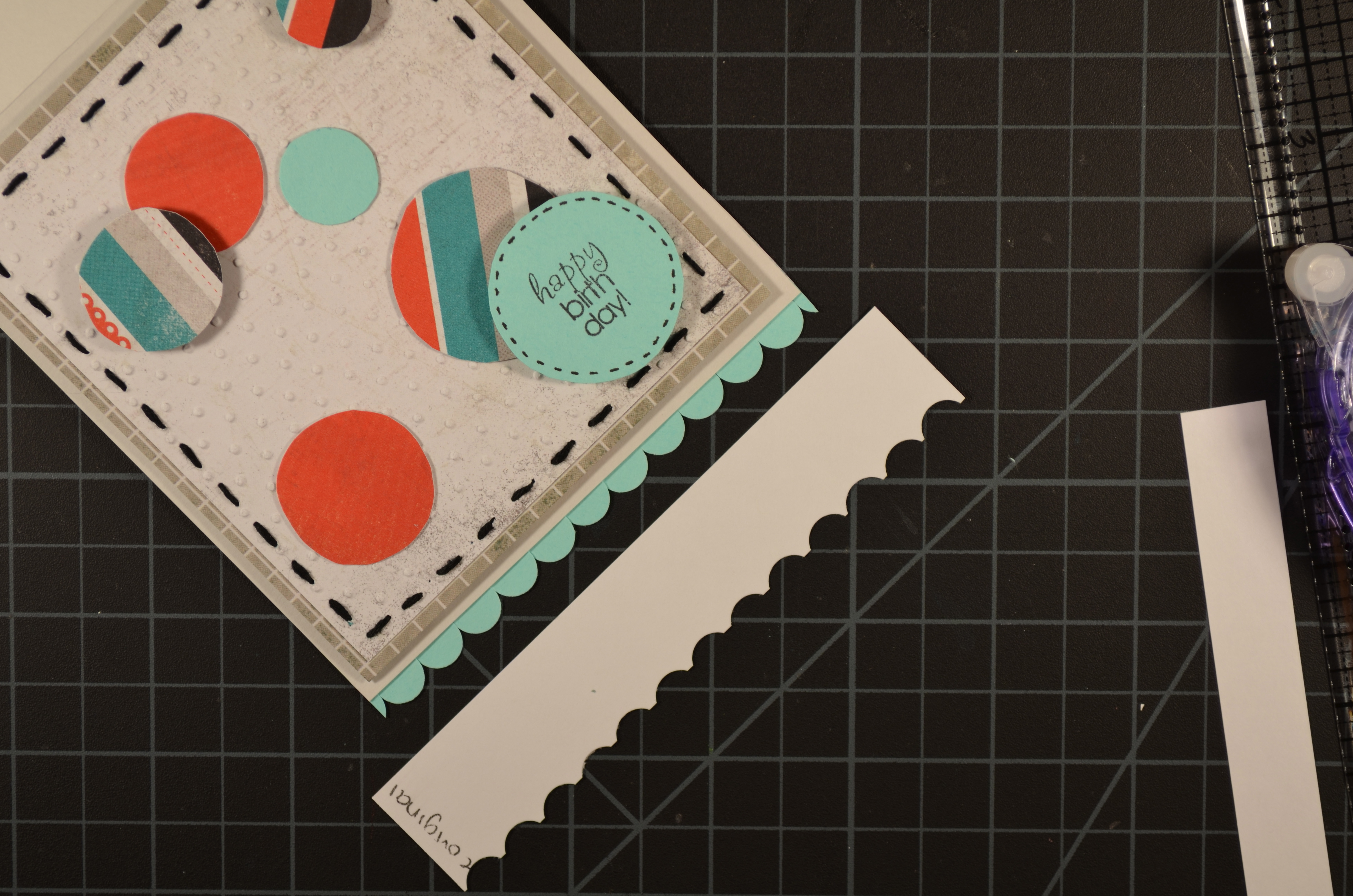 technique tutorial making your own scallop or postage stamp edge